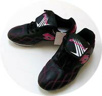 LOTTO YOUTH SOCCER CLEATS NEW IN BOX & WITH TAG.  SIZE 4. BLK/PINK