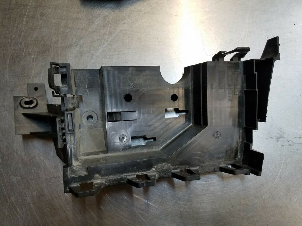 Oem Lincoln Mkz 16 17 18 Hybrid 2l Fuse Box Mount Base Bracket Hg9t