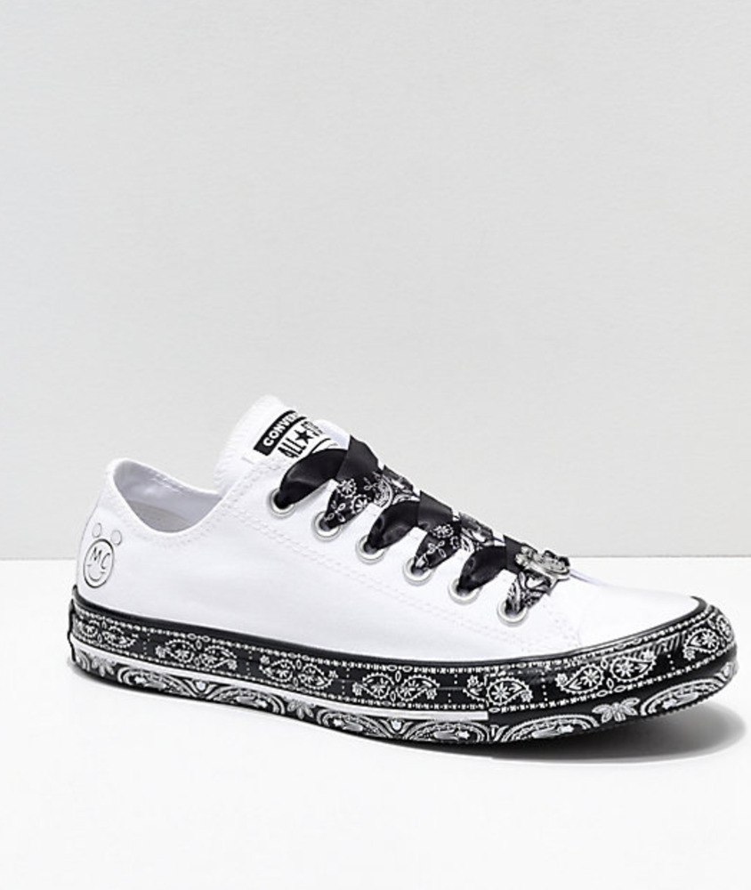 91b4eba1b5e4 Details about 5.5 Mens   7.5 Womens Converse x Miley Cyrus White   Black Bandana  Shoes Low