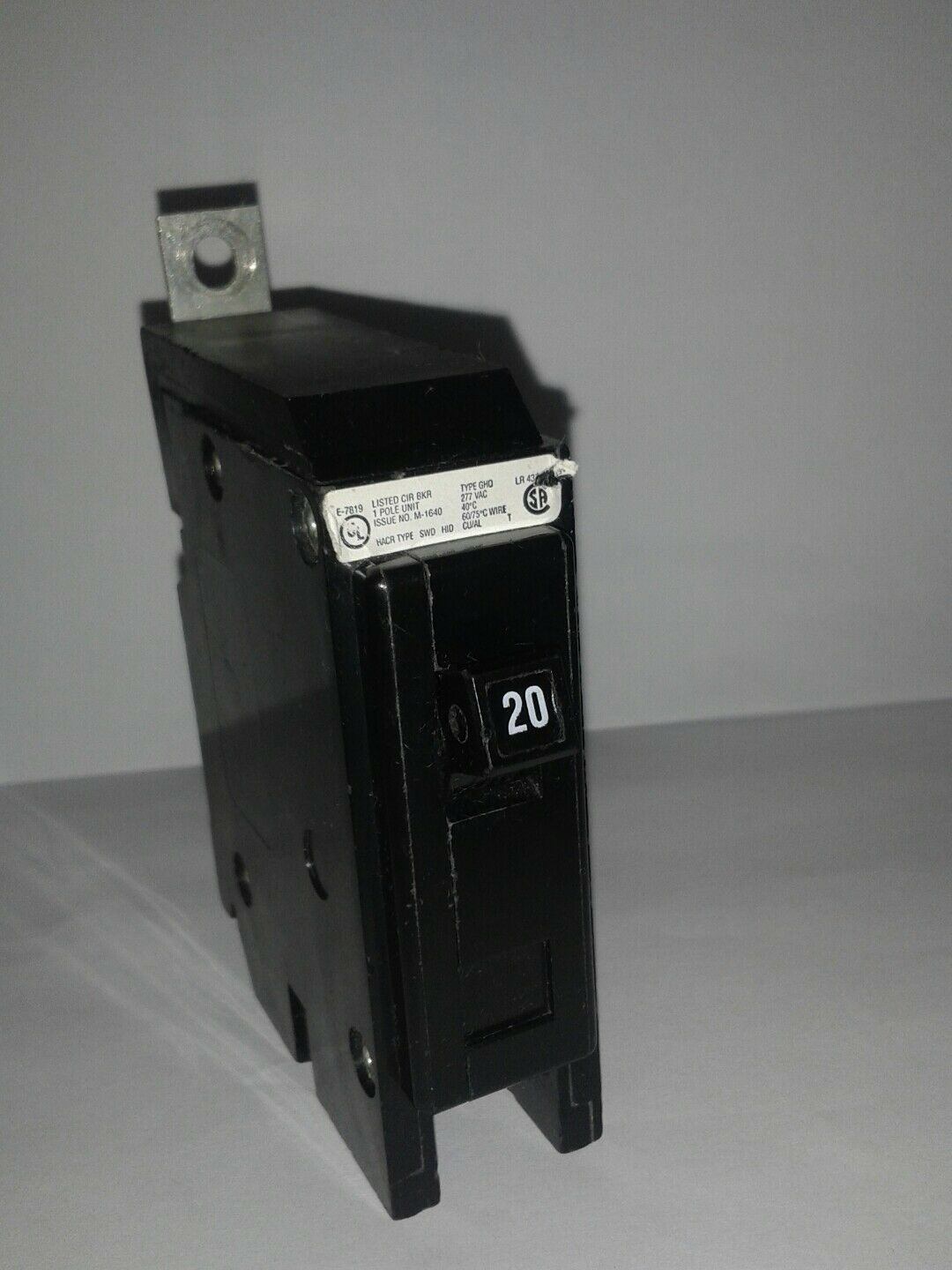EATON GHQ1020 circuit breaker single pole 277V 20amps