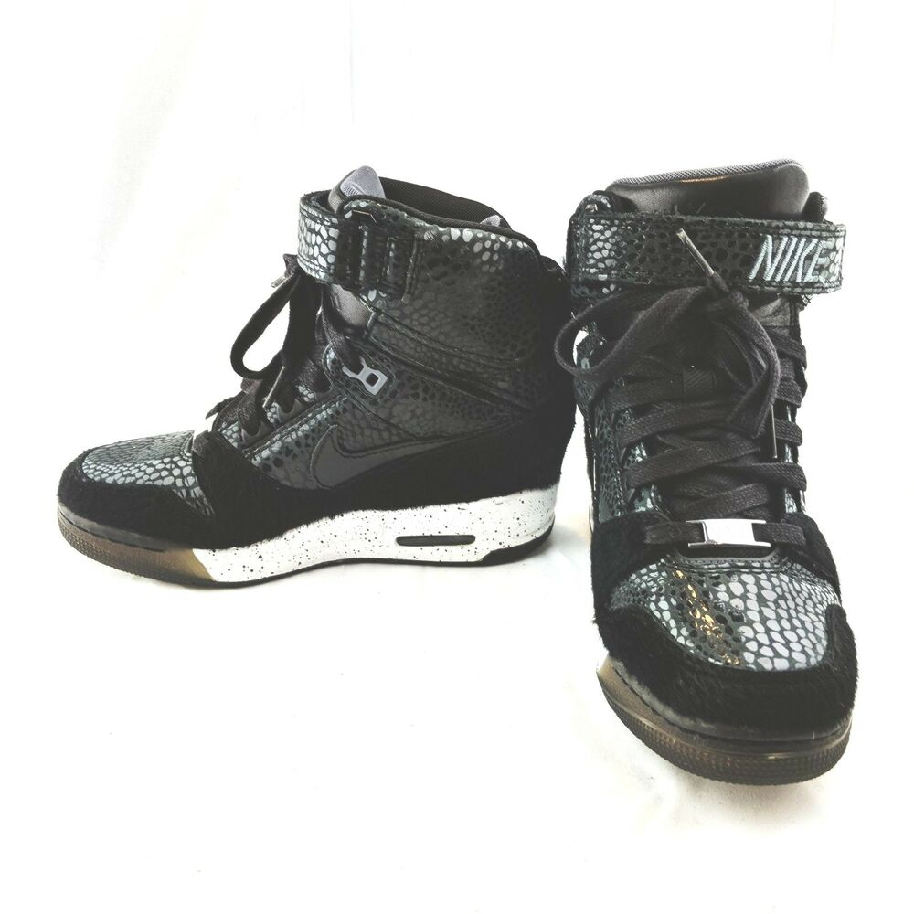 best loved 22f67 ddd07 Details about NIKE Women s AIR REVOLUTION SKY HI HIGH NYC Fashion Week QS Size  7 633525-001