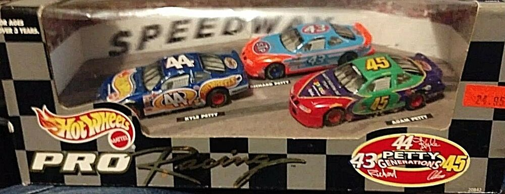 the Petty Family? 1:64 A Great Variety Of Models Hot Sale 1997 Mattel Three Generations Of Racing