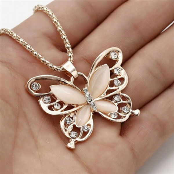 Collier Pendentif Papillon Opale Or Rose Pull Femme