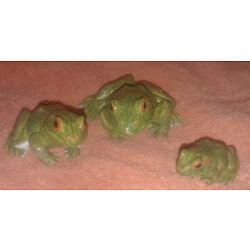 Green Frog Family Replicas - Realistic AAA