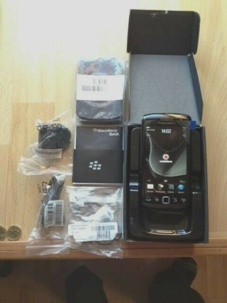 NEW BlackBerry Torch 9860 - FULLY BOXED VODAFONE