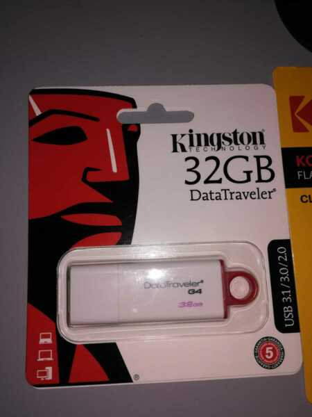 Pennetta USB, Chiavetta KINGSTON, Pen Drive, 32GB, USB 3.0, Data Traveler