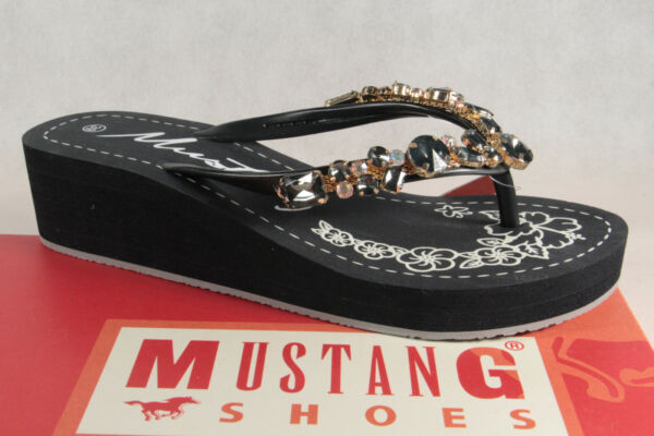 AllemagneMustang Paire de Tongs /  Mules Noir Neuf