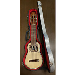 Kyпить Winay Llajta Bolivian Charango with Locking Carrying Case and Booklet Beautiful! на еВаy.соm