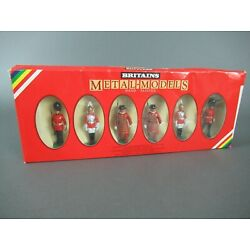 Britains 7226 Die-Cast Soldiers: 2 Scots Guards, 2 Lifeguards, 2 Yeoman Guards