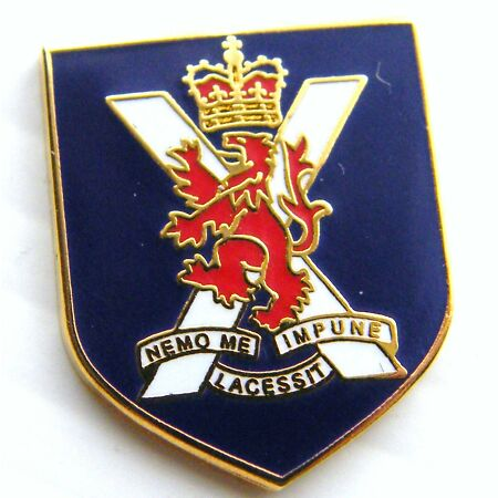 img-THE ROYAL REGIMENT OF SCOTLAND ARMY MILITARY LAPEL PIN BADGE GIFT POUCH MOD APR