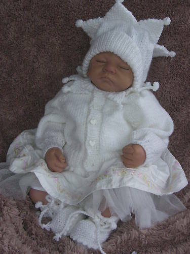 Free Teddy Knitting Patterns : KNITTING PATTERN **JESTER** BABY / REBORN MATINEE SET. eBay