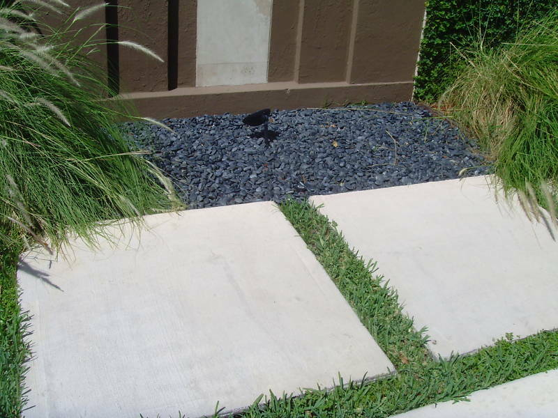 how to cut cement pavers