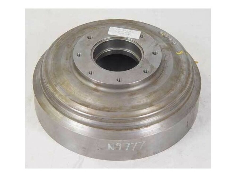 W30 Tractor Clutch : Service manual torque converter housing case for