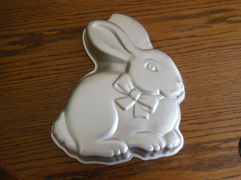Wilton Bunny Rabbit Cake Pan Easter Aluminum Stamped 2105