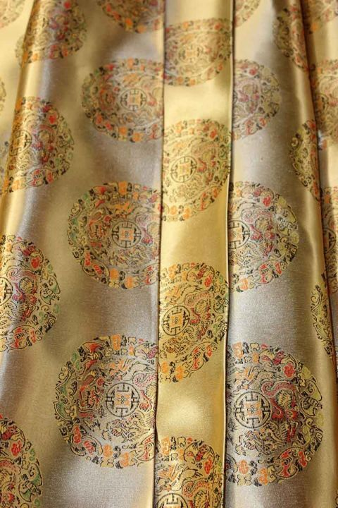 1 Yard 90cm X 90cm Oriental Gold Patterned Silk Brocade