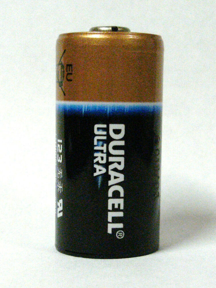 12 duracell ultra 123 cr123a lithium 3v battery dated 2024 made in usa ebay. Black Bedroom Furniture Sets. Home Design Ideas
