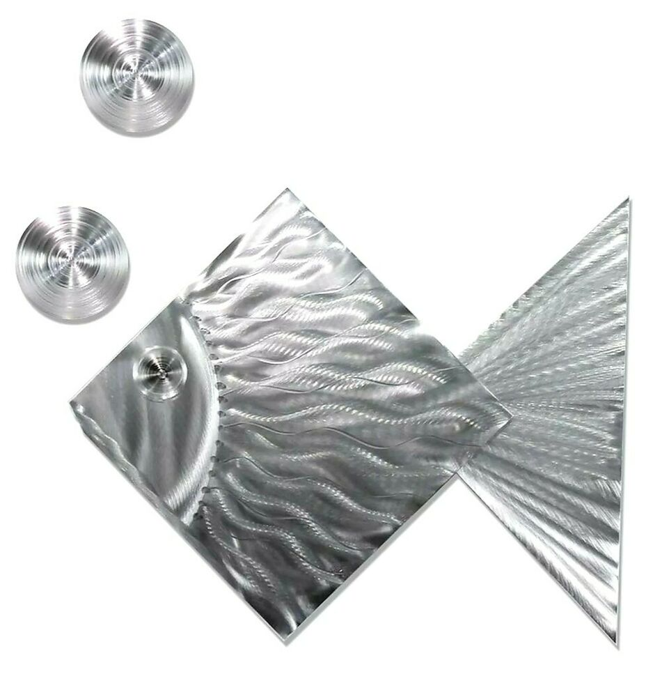 Silver Tropical Island-Style Metal Wall Art Accent