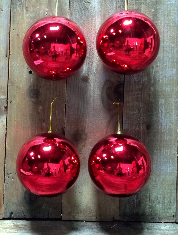 Set of 4 shiny red 5 christmas ball plastic outdoor for Outside christmas balls