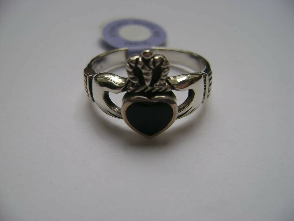 sterling silver celtic black onyx inlay claddagh irish. Black Bedroom Furniture Sets. Home Design Ideas