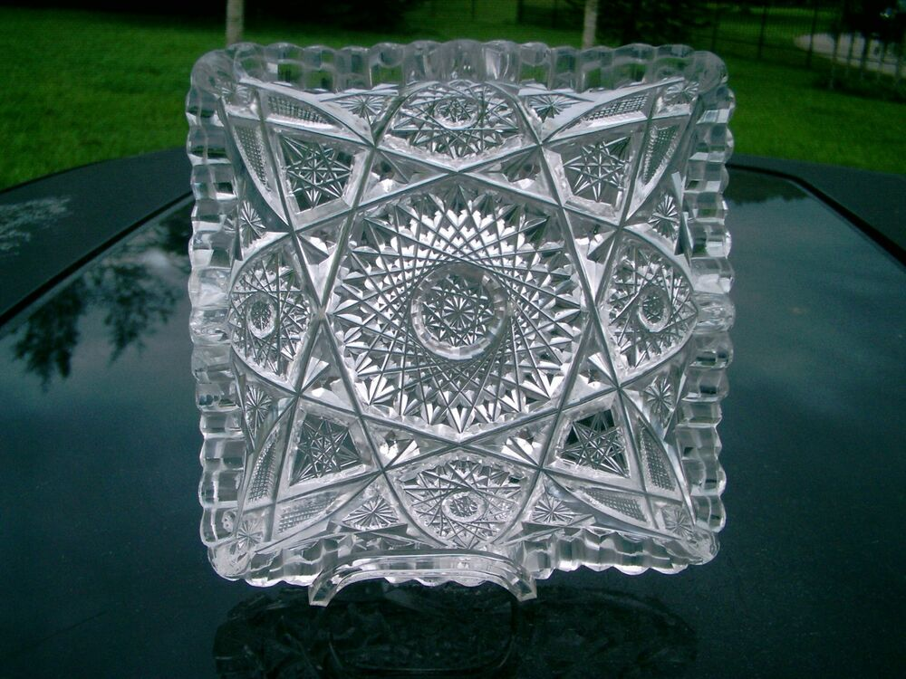 VINTAGE PRESSED GLASS 5.5 INCH SQUARE CANDY DISH STAR