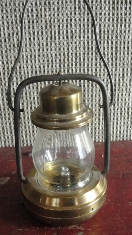 brass mini battery operated light ebay. Black Bedroom Furniture Sets. Home Design Ideas