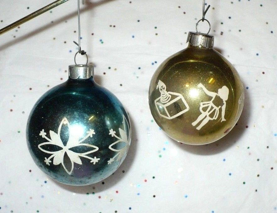 2 vintage christmas glass stencil tree ornaments look vgc Vintage glass christmas tree ornaments
