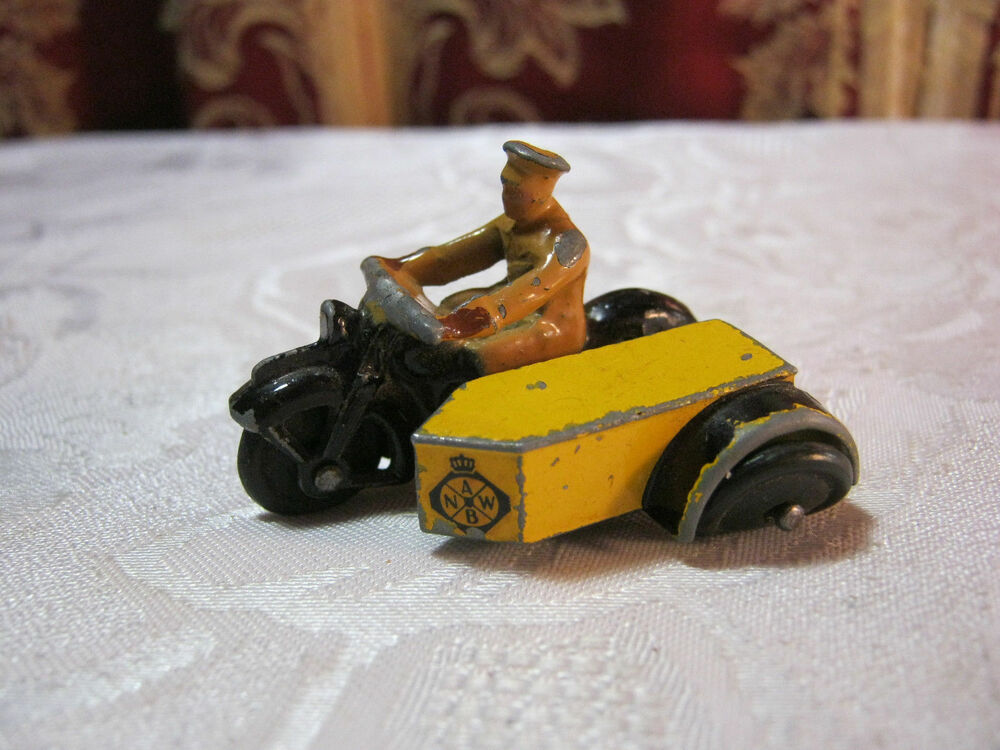 dinky diecast toys motorcycle with side car rare version abnw t ebay. Black Bedroom Furniture Sets. Home Design Ideas