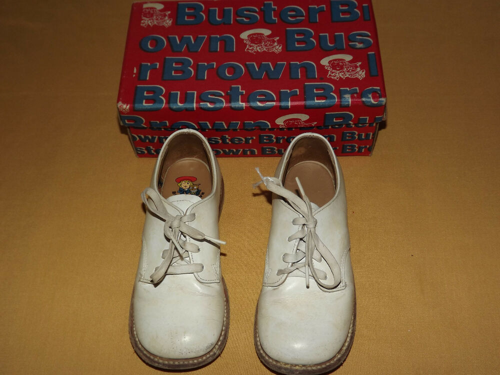 vintage 1950s childs white buster brown shoes in box