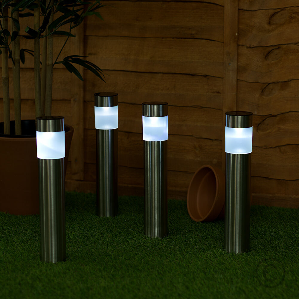 4 Foot Outdoor Solar Powered Lamp Post With: 4 X Solar Powered Colour Changing LED Brushed Chrome