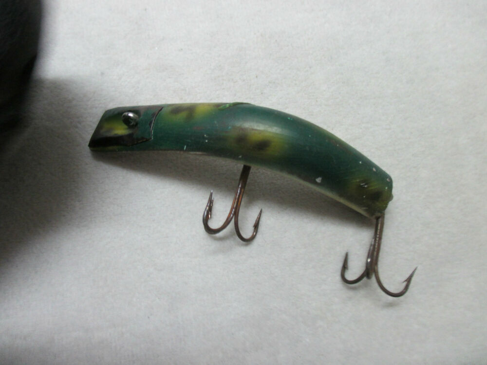Vintage kautzky lazy ike 3 green frog back fishing lure for Frog fishing lures