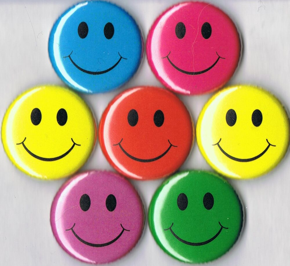 smiley face set of 7 pins buttons badges lot yellow red. Black Bedroom Furniture Sets. Home Design Ideas