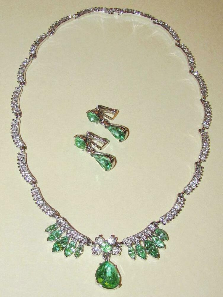 Vtg signed bogoff set peridot glass rhinestone scallop for Bogoff vintage costume jewelry