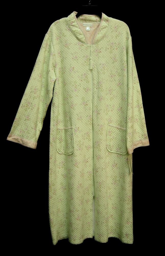 foto de MISS ELAINE LONG SOFT QUILTED GREEN FLORAL ZIP FRONT ROBE