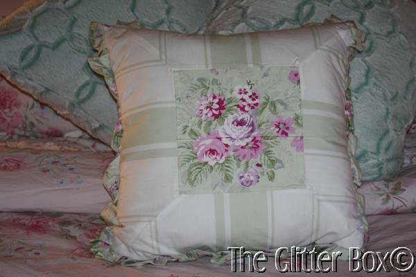 Shabby Chic Bed Pillows : Simply Shabby Chic Bramble Ruffled Decorative Toss Pillow Rachel Ashwell B7 eBay