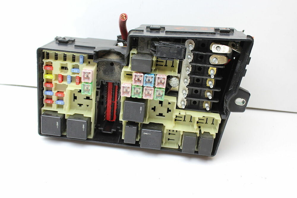06 volvo s40 v50 8688040 fusebox fuse box relay unit