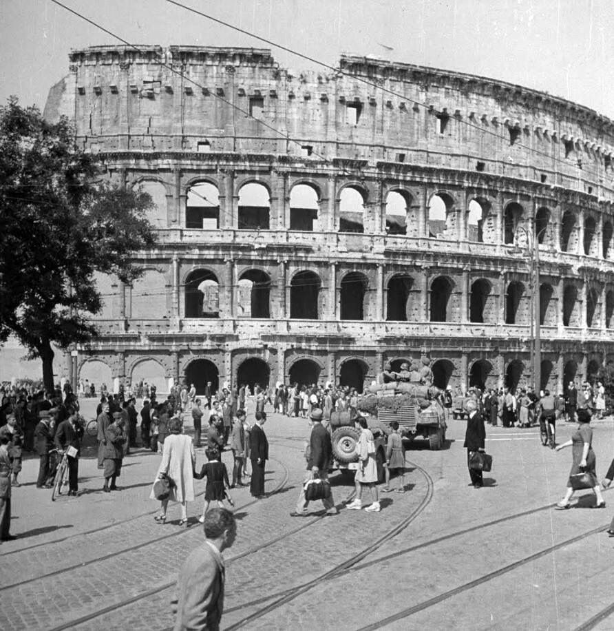 WW2 Photo WWII Allied Forces Reach Colosseum Rome Italy ...