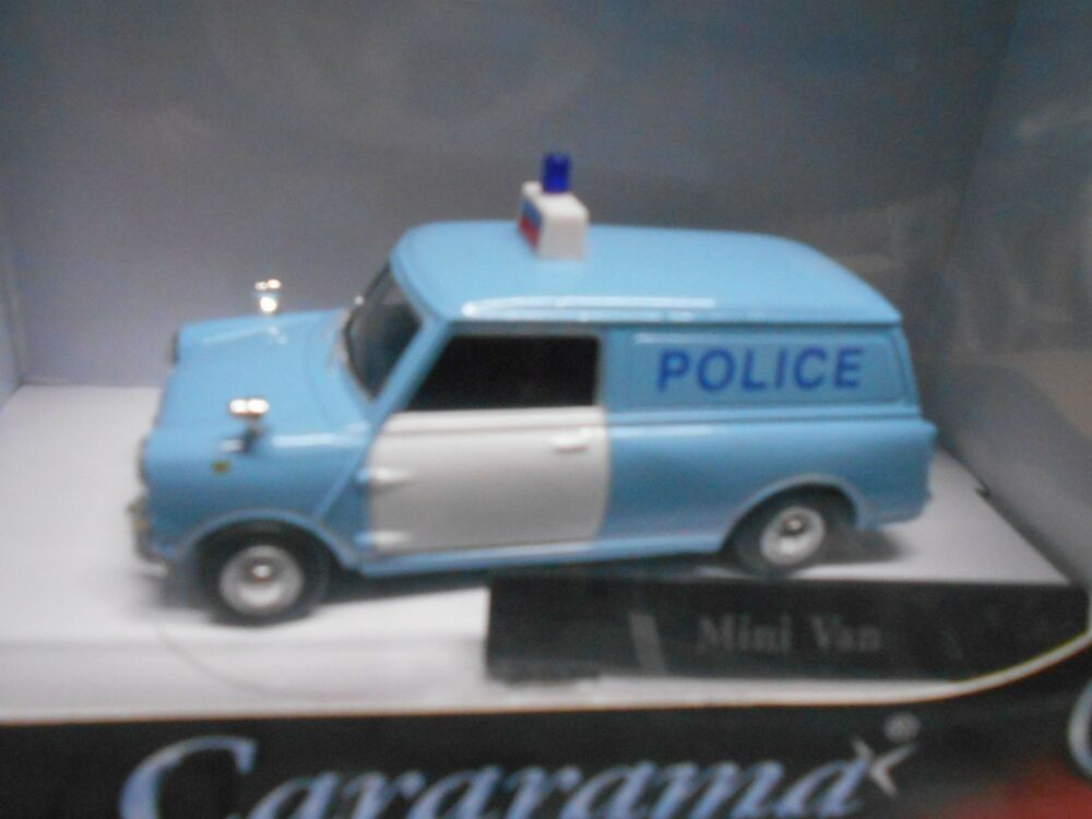 mini cooper countryman kombi polizei police van cararama sonderpreis 1 43 ebay. Black Bedroom Furniture Sets. Home Design Ideas