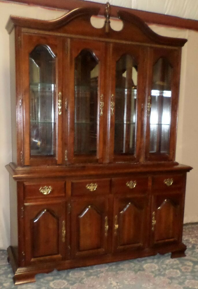 Kincaid Cherry China Cabinet Lighted Hutch With Pierced
