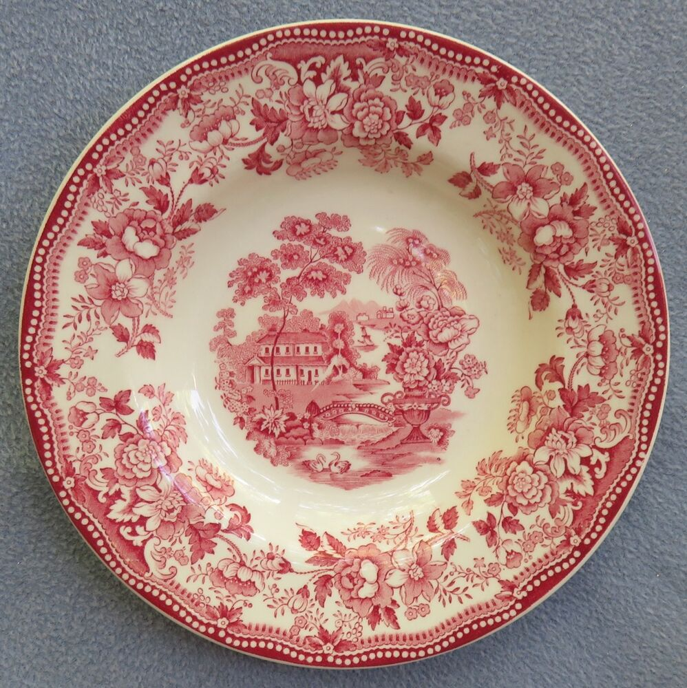 Royal Staffordshire Pottery Clarice Cliff Pink Tonquin