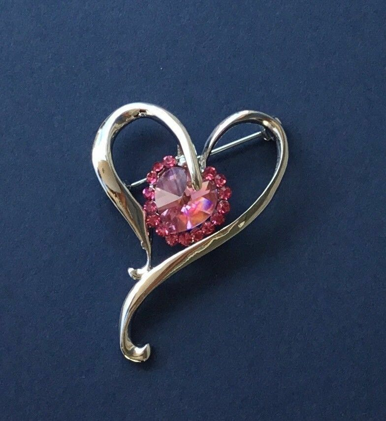 6a8b655acdf6 Details about Pretty pink love   heart crystal brooch pin