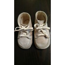 VINTAGE WHITE LEATHER BABY DEER SHOES, sz 1, from 1960, style # 4440