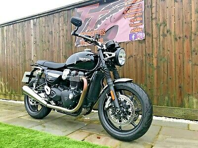TRIUMPH SPEED TWIN - ONLY 500 MILES - 2019 - FINANCE AVAILABLE