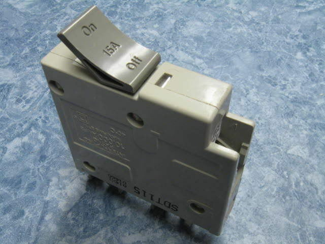 Square D Trilliant 15 Amp Breaker 1 Pole Sdt115