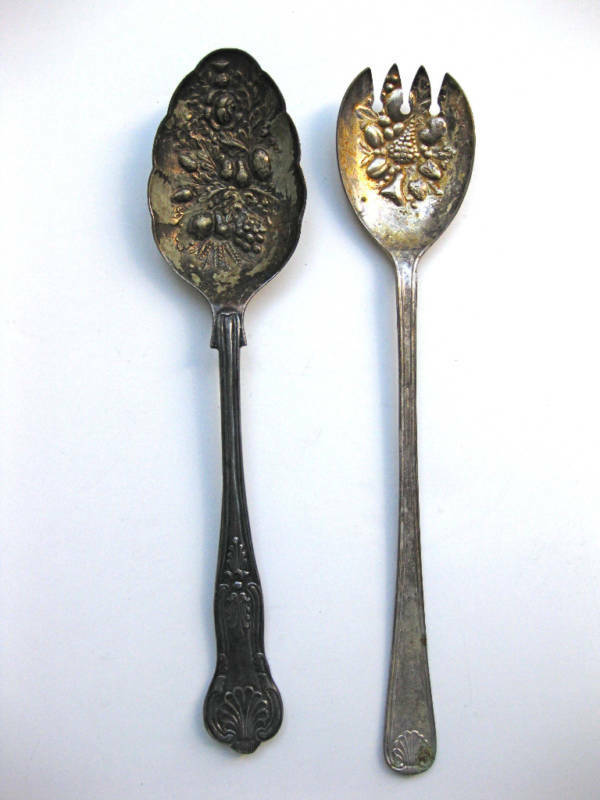 Antique Silver Plate Fruit Embossed Serving Spoon X 2 Ebay