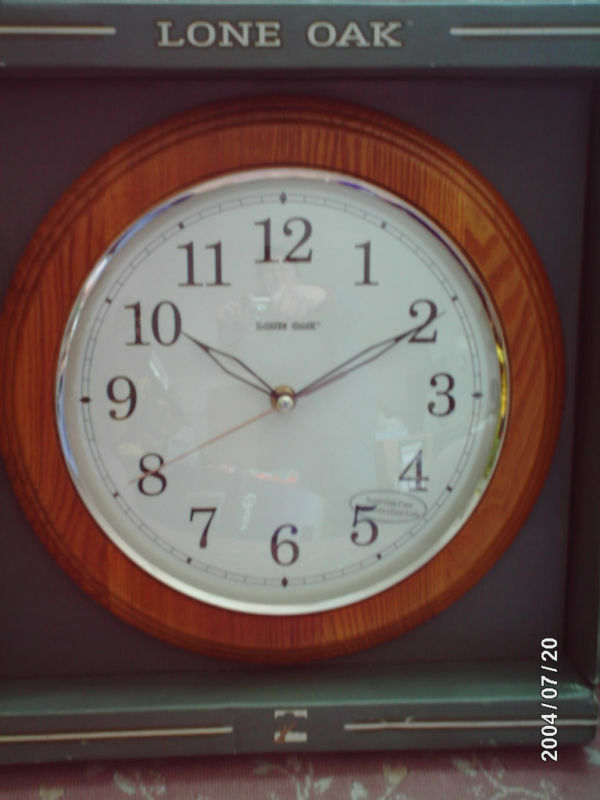 Lone Oak 12 Quot Round Wall Clock Wood Frame Glass Face