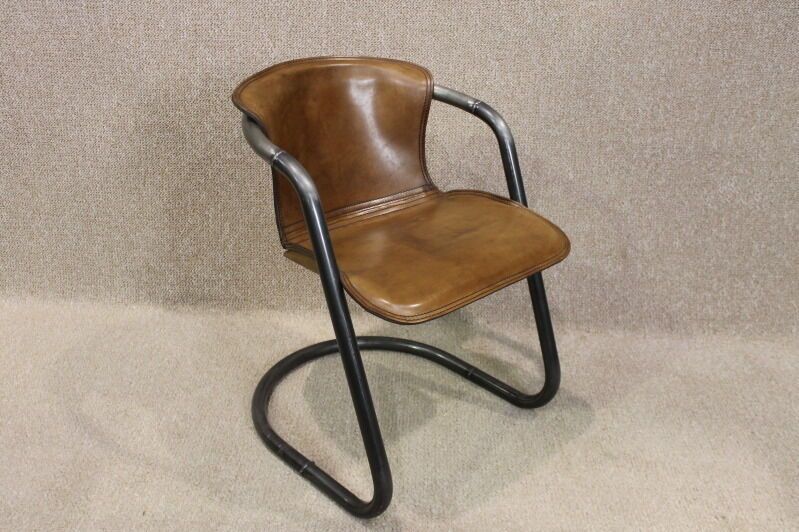 Vintage style tubular steel classic leather armchair for Leather and steel dining chairs