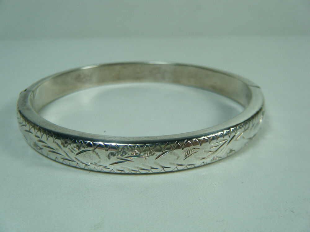 vintage engraved design sterling silver hinged bangle. Black Bedroom Furniture Sets. Home Design Ideas