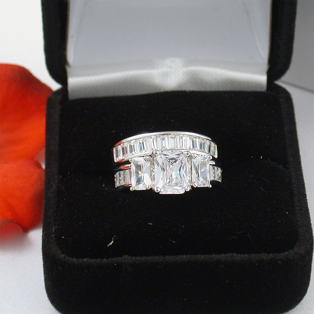 4 5 ct 925 sterling silver emerald cut wedding engagement for Cute engagement ring boxes