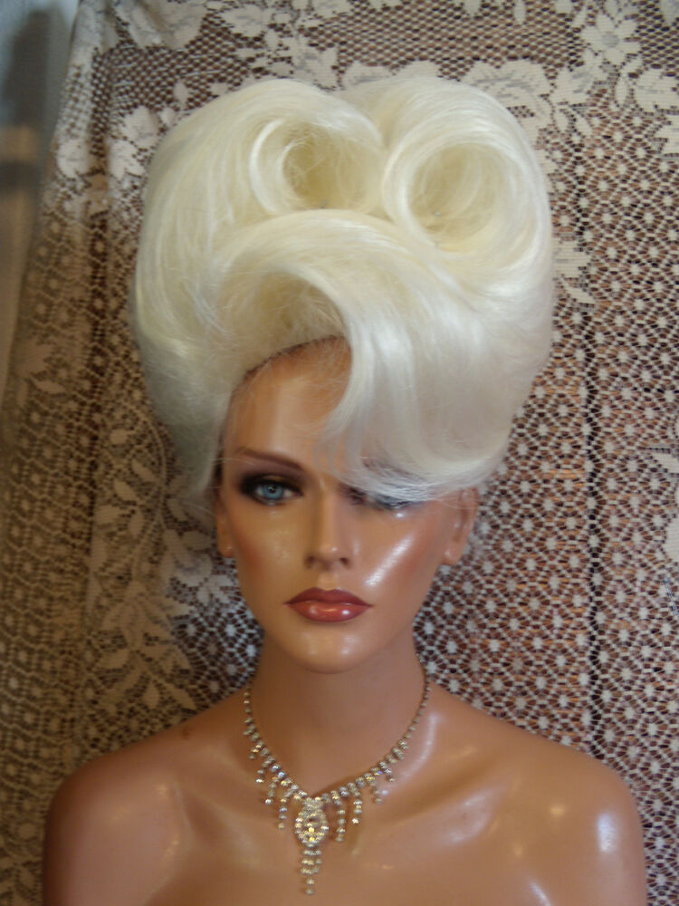 Wigs To Be Wild In For Halloween Vegas Girl Wigs Pick A