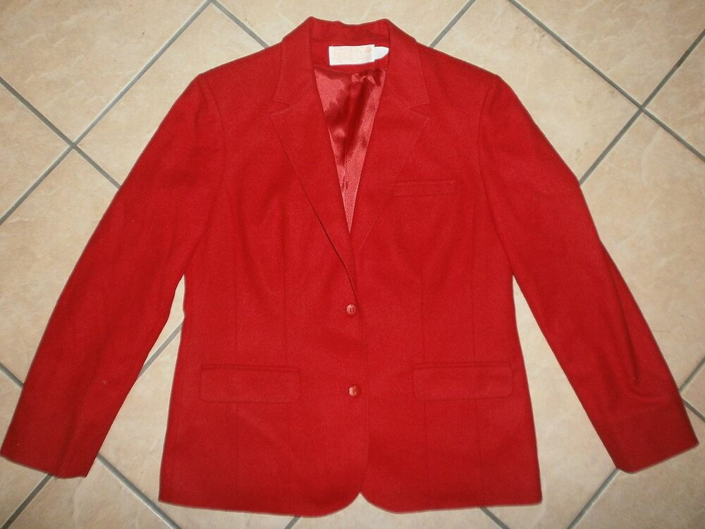 You searched for: red wool blazer! Etsy is the home to thousands of handmade, vintage, and one-of-a-kind products and gifts related to your search. No matter what you're looking for or where you are in the world, our global marketplace of sellers can help you find unique and affordable options. Let's get started!